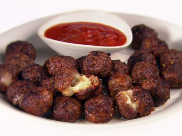 GH0321H_meatballs-a-la-pizzaiola_s4x3_lg